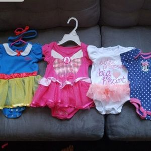 4 Disney outfits size 6 months